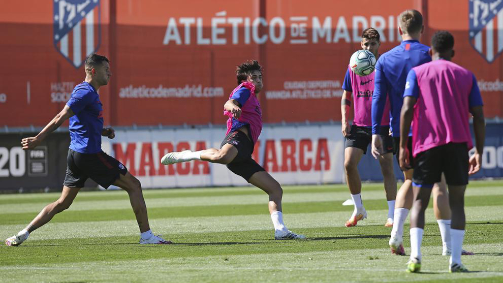 Simeone tests out XI with Joao Felix, Correa and Lemar