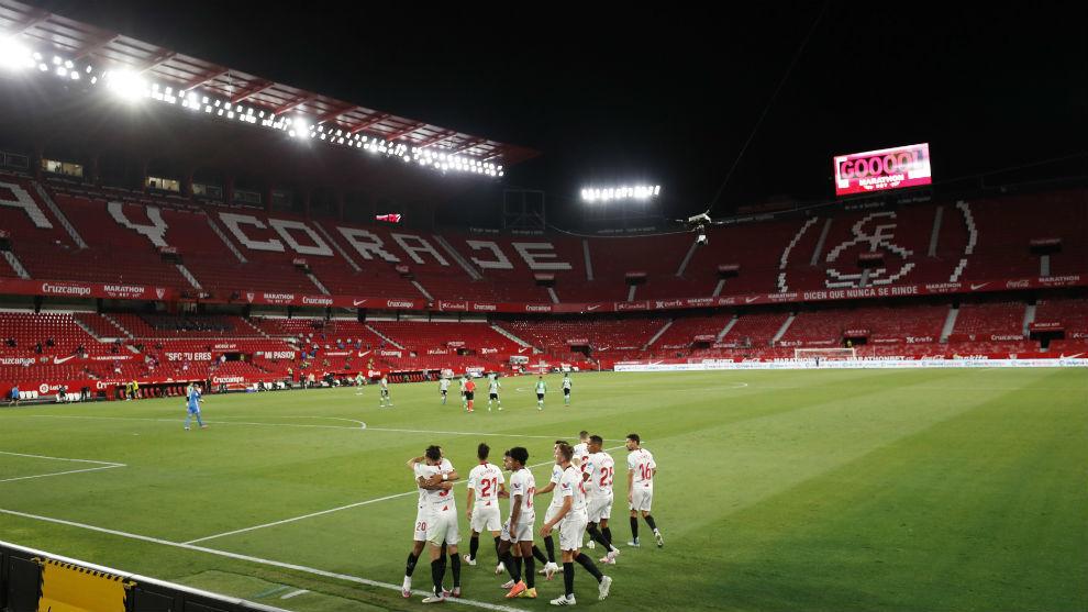 Imagen del Sánchez-Pizjuán vacío en el derbi Sevilla-Betis.