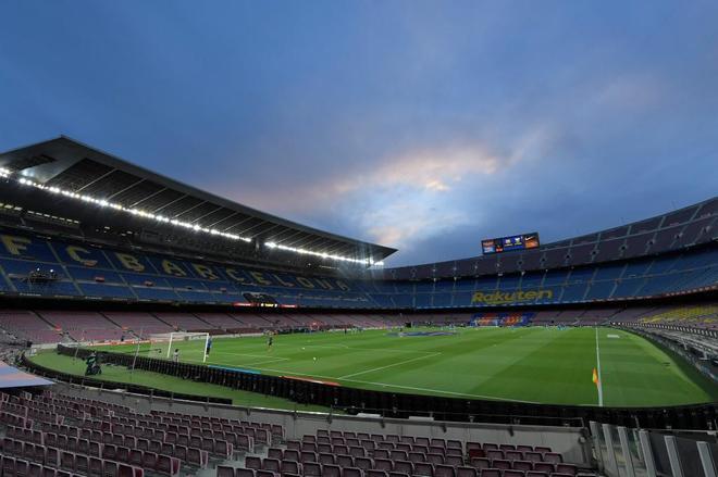 Así luce el Camp Nou sin público.