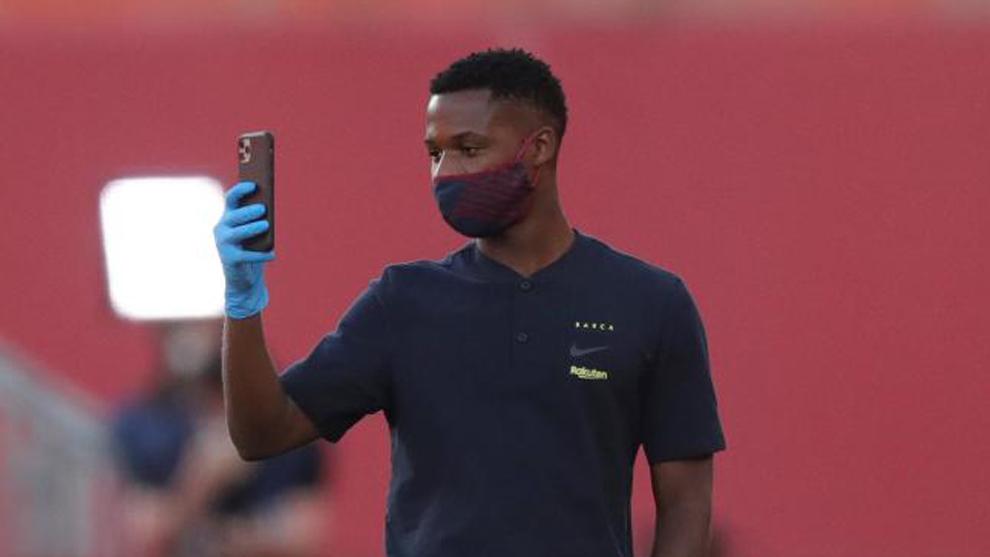 Ansu Fati forces Barcelona's hand