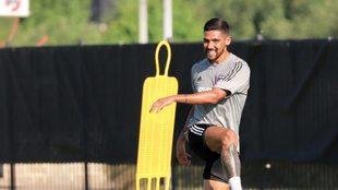 Jara entrena por primera vez en el FC Dallas.