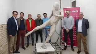 La estatua de Iniesta publicada por el Ayuntamiento de Albacete.