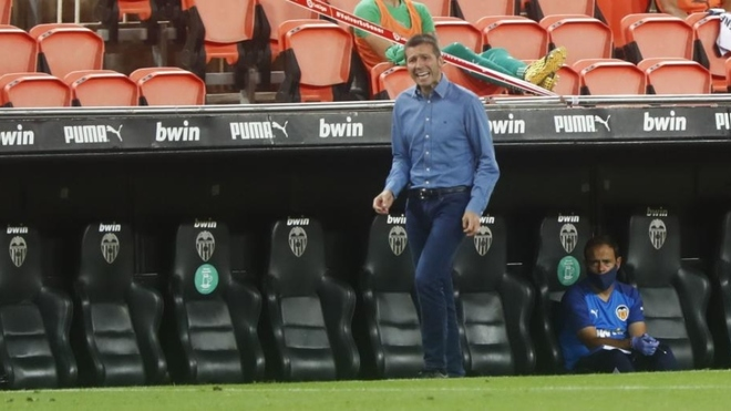 Albert Celades durante el partido ante el Levante.