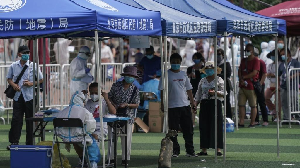 China aborda con contundencia propangadística el rebrote de...