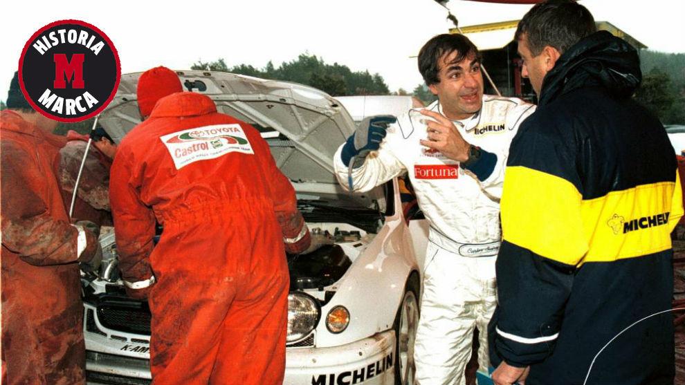 Carlos, durante su primer test con el Toyota Corolla en 1997.