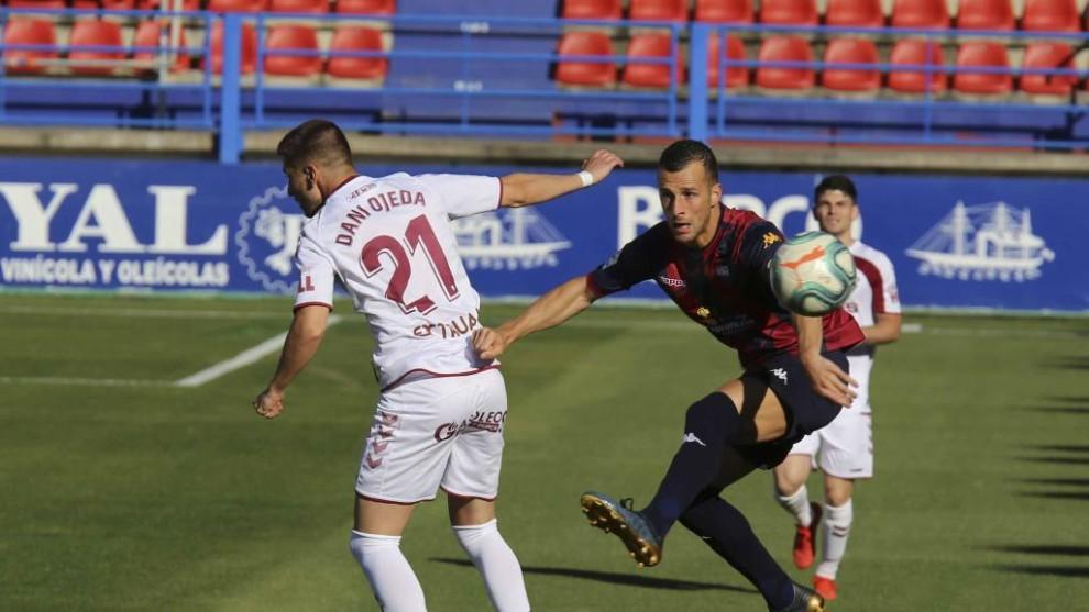Un lance del partido entre el Extremadura y Albacete, partido...