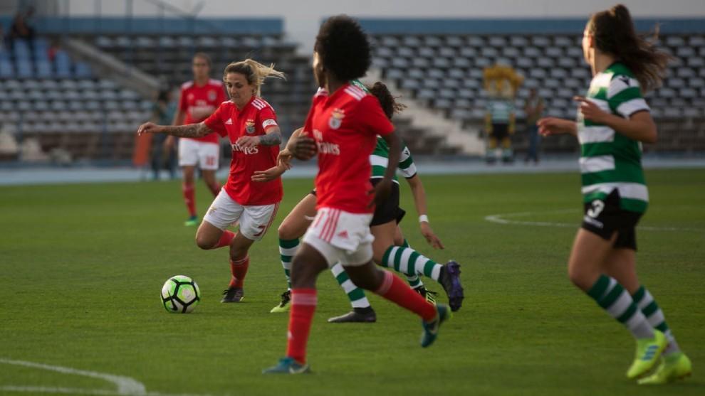 Lance del partido entre Benfica y Sporting de Portugal.