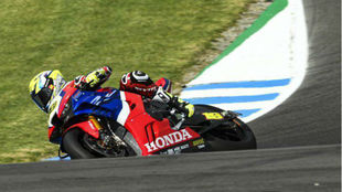 Álvaro Bautista, con la Honda en Phillip Island.