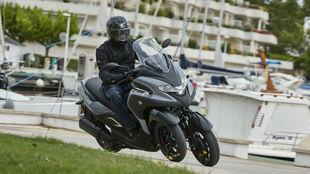 La Yamaha Tricity 300 está a la venta desde 7.999 euros.
