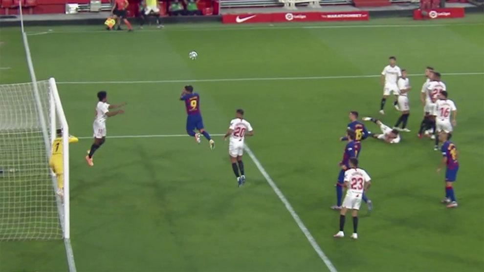 Sevilla's plan to stop Messi's freekicks