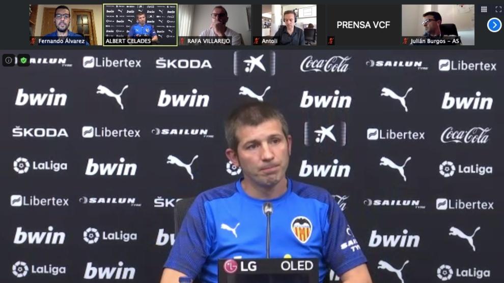 """Celades: """"Muchos piensan que los árbitros perjudican al Valencia por..."""