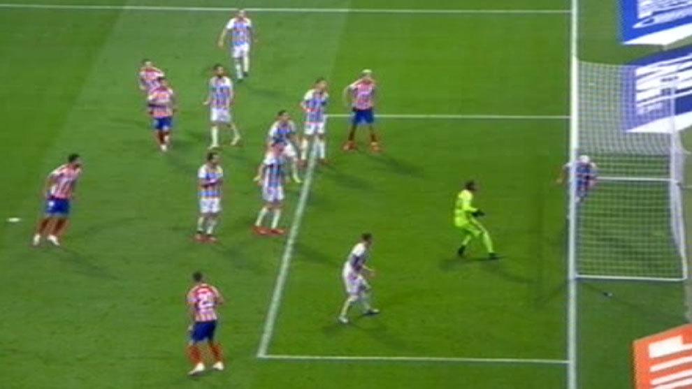El VAR valida el gol de Vitolo