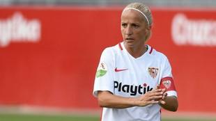 Alicia Fuentes en su última etapa en el Sevilla ejerciendo de...