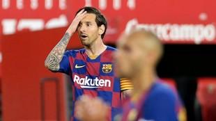 Messi y Braithwaite, en el partido del Barça en Sevilla.
