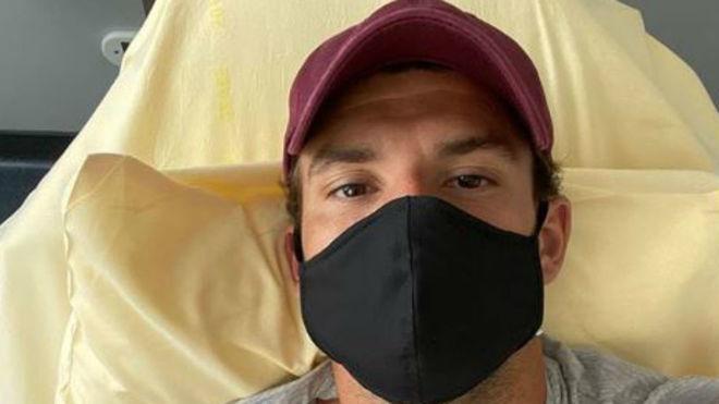 Grigor Dimitrov con mascarilla tras curarse de coronavirus