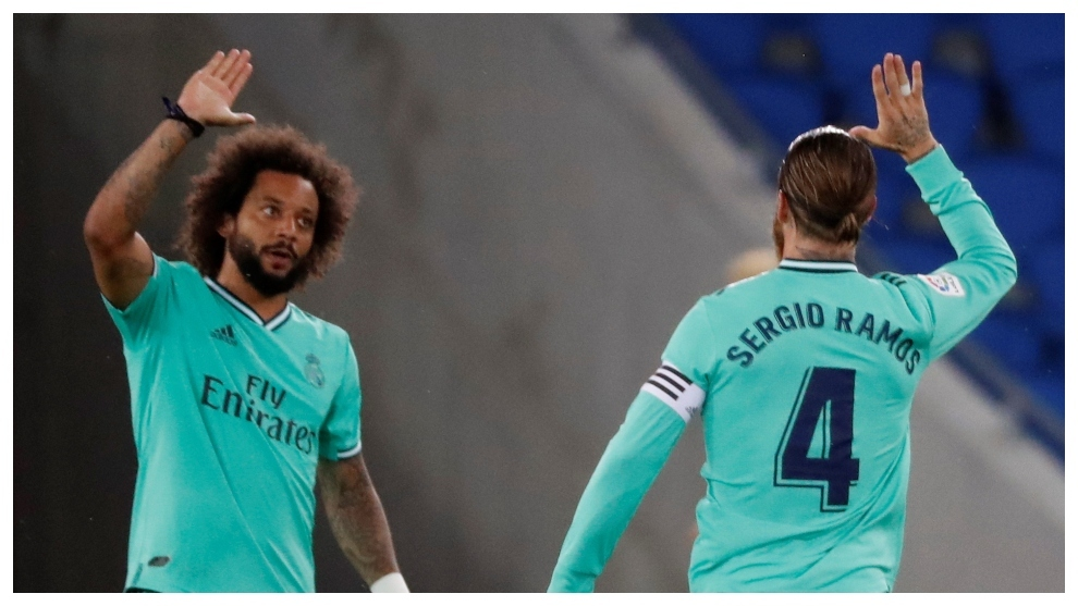 Marcelo celebra con Sergio Ramos el primer gol del Madrid en Anoeta.