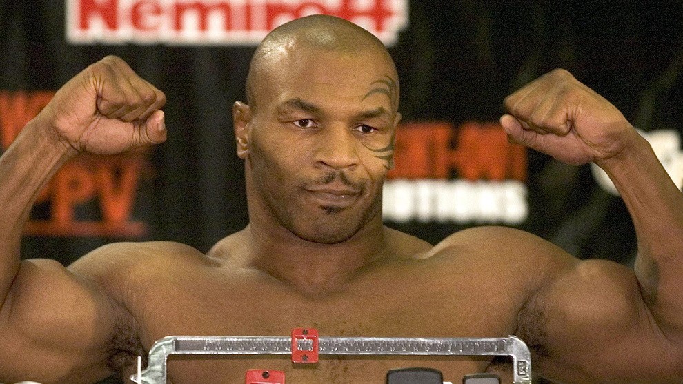 Mike Tyson en julio de 2004 antes de pelear contra Danny Williams