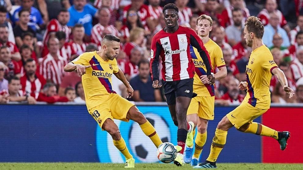 Acción de un encuentro entre el Athletic y el Barcelona de este...