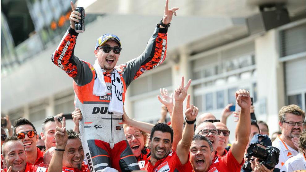 Jorge Lorenzo, tras ganar en Austria en 2018, su último triunfo con...
