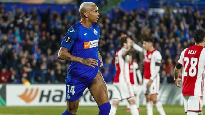 Deyverson celebra su gol ante el Ajax en el Coliseum
