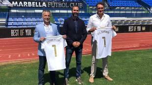 Aldana con Héctor Morales y Óscar Felipe en la presentación en el...