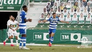 Hugo Vallejo celebra el gol del triunfo del Deportivo en Elche