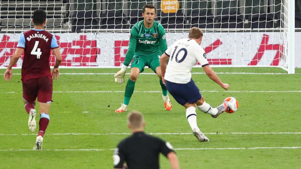 Harry Kane logró el 2-0 para el conjunto de Mourinho