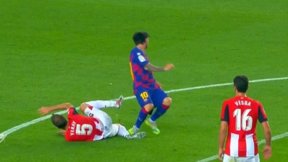 El pisotón de Messi que pudo costarle la expulsión