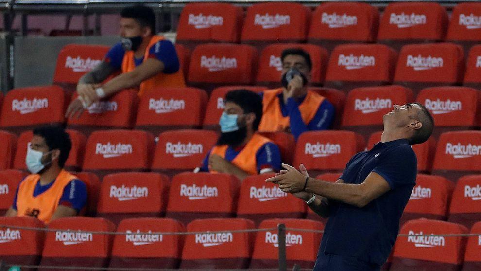 Garitano lamenta una acción durante el partido.