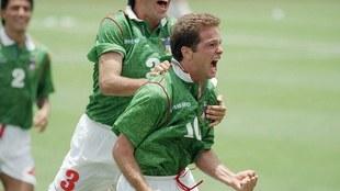 Luis García le dio el triunfo a México por su doblete ante Irlanda