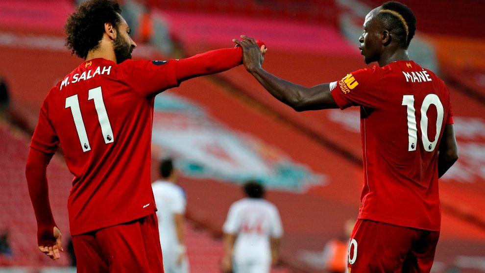 Salah y Mané, tras uno de los goles.