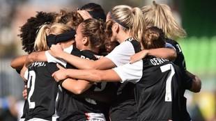 Las jugadoras de la Juventus celebran un gol esta temporada.