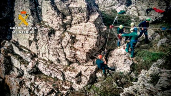 El montañero se enconraba en una zona muy abrupta.