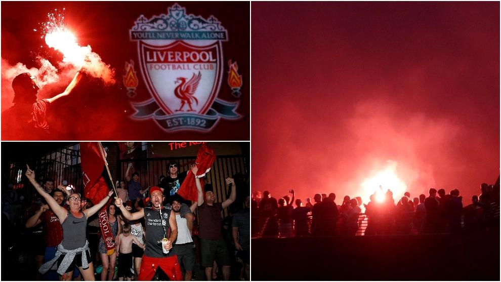 Los seguidores del Liverpool se reunieron en Anfield para celebrar el...