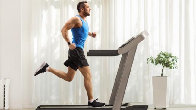 Fitness: Remo, step, spinning y otras máquinas para hacer cardio sin salir de casa