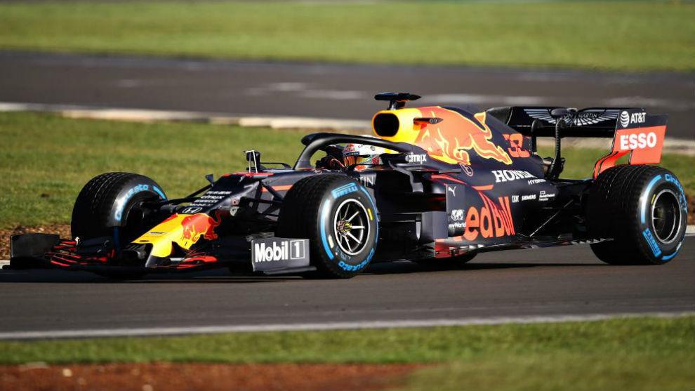 Max Verstappen, con el RB16, en el test de Silverstone de este jueves.