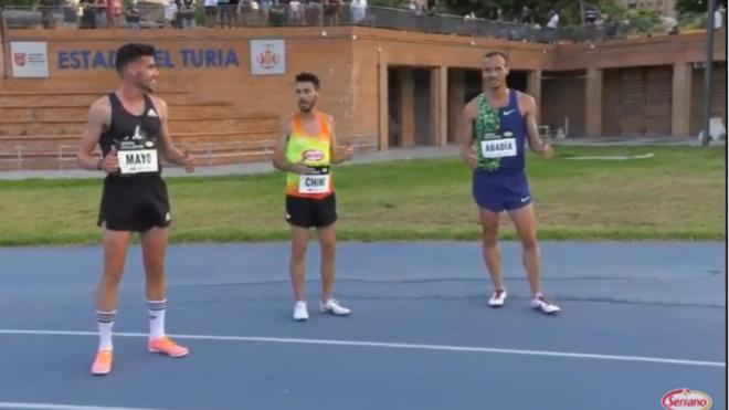 Carlos Mayo, Chiqui Pérez y Toni Abadía, tras la carrera
