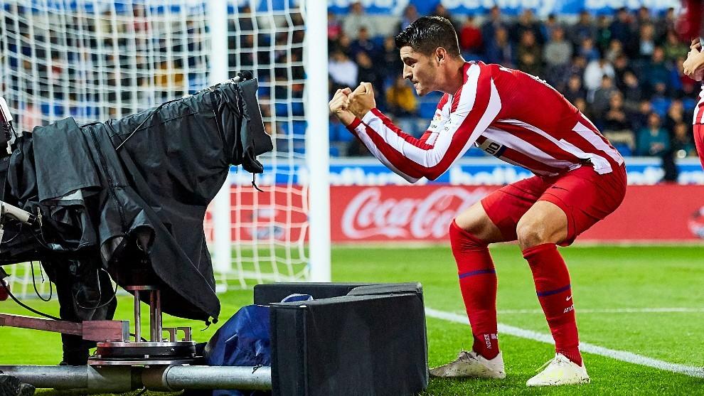 Morata celebra el gol ante el Alavés en la primera vuelta.
