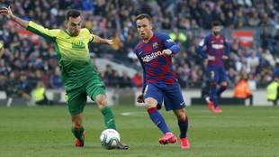 El jugador del Barcelona Arthur en el partido frente al Eibar.