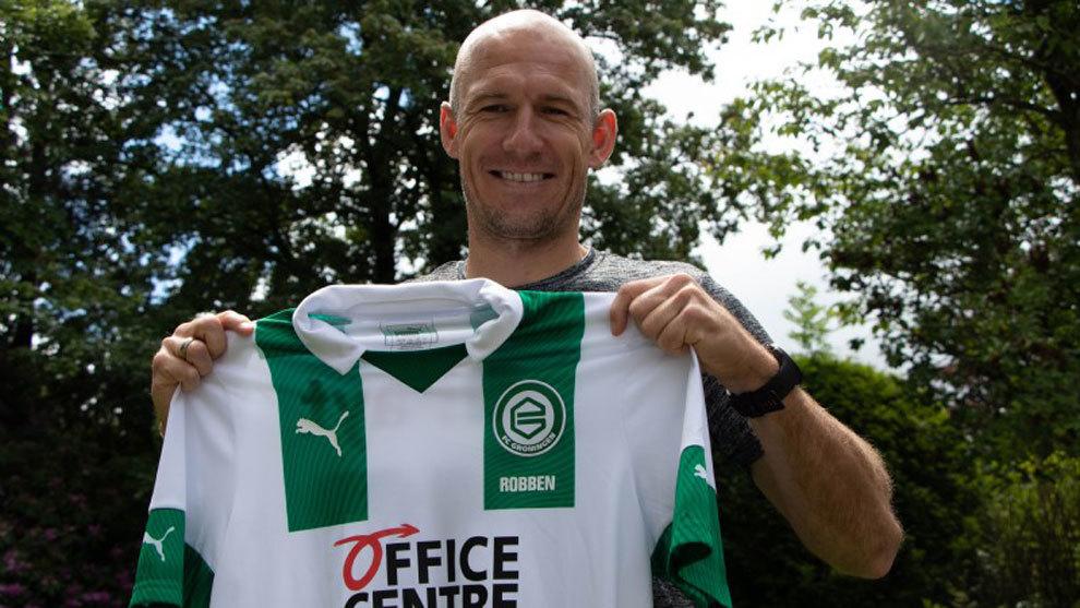 Robben, dispuesto a descolgar las botas de nuevo para ayudar al Groningen