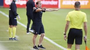 Jagoba Arrasate, entrenador de Osasuna, pide calma a sus jugadores en...
