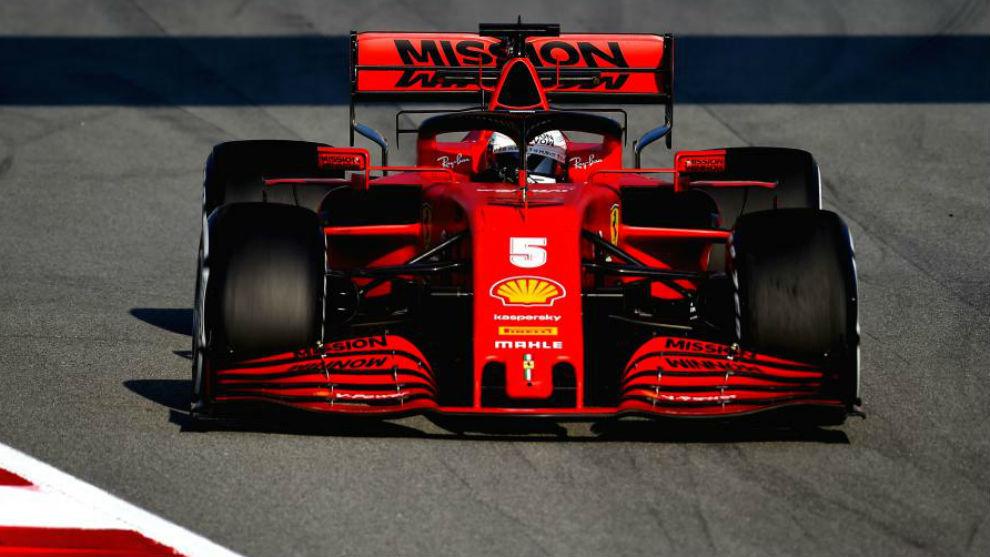 Sebastian Vettel, con el SF1000, en los test de pretemporada.