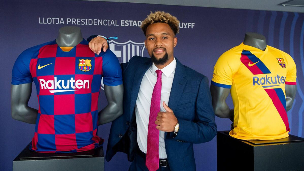 Konrad de la Fuente extends his Barcelona contract until 2022