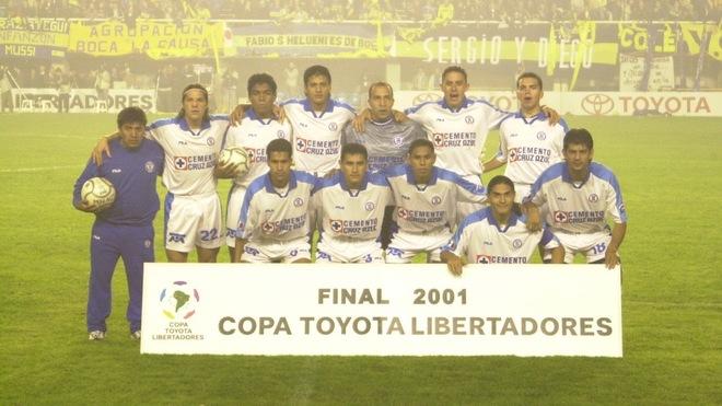 La imagen oficial de Cruz Azul en La Bombonera de Boca Jrs.