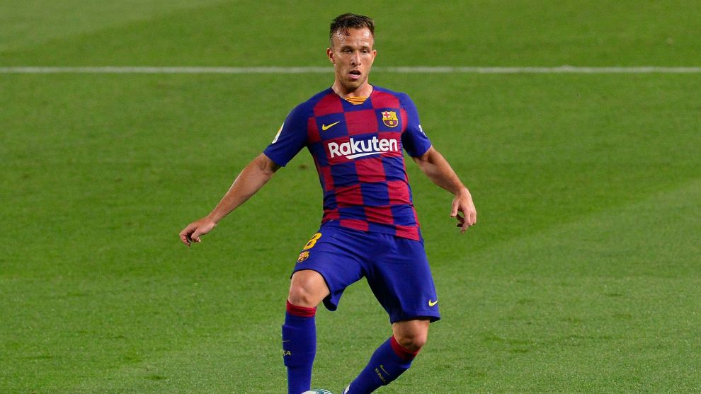 Arthur completes Juventus switch by signing a five-year deal