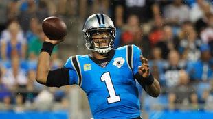 Cam Newton, en un partido con los Carolina Panthers.