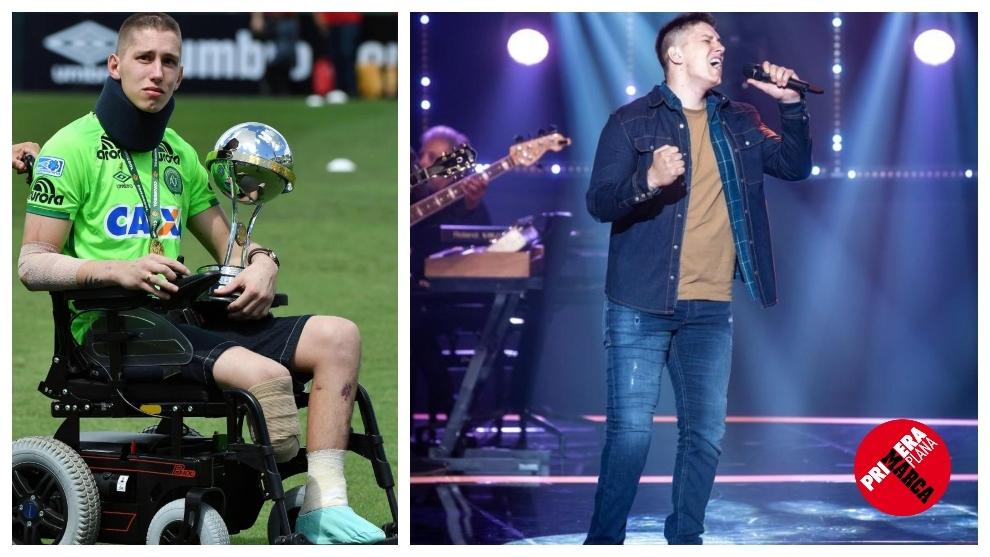 Follmann, en silla de ruedas y con camiseta del Chapecoense a la...