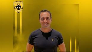 Presentación de Cristian Ugalde como nuevo jugador del AEK griego /