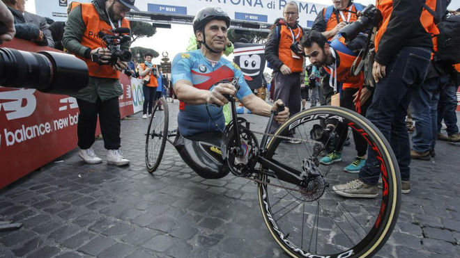 Álex Zanardi, con la handbike en la que compite.