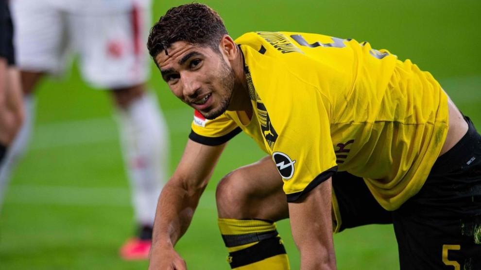 Achraf, en un partido con el Borussia Dortmund.